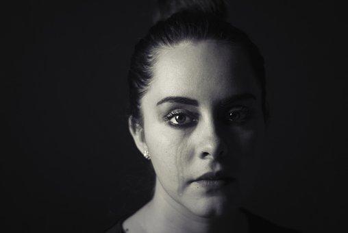Femme en pleure
