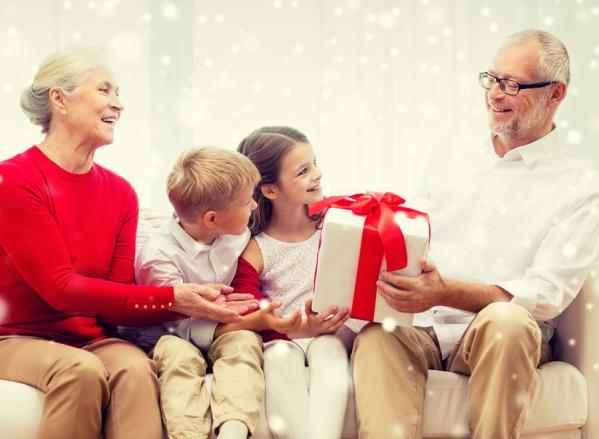 Noel seniors et petits enfants