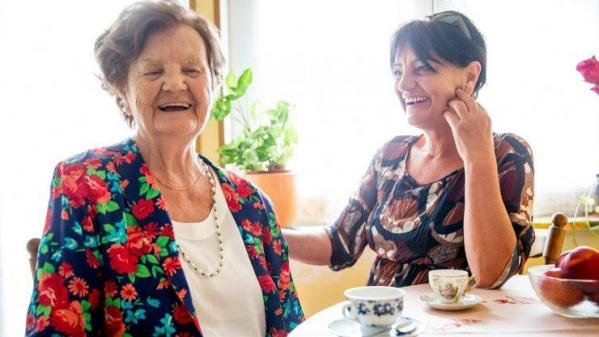 Conversation seniors et parent age